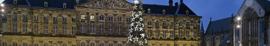 Kerstboom met verlichte LED sterren voor bedrijven