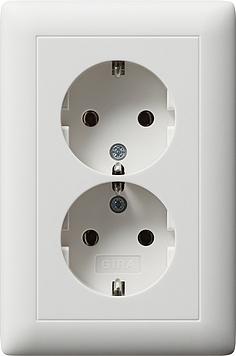 Gira 2 voudige wandcontactdoos met randaarde voor UK40 en H140 inbouwdoos