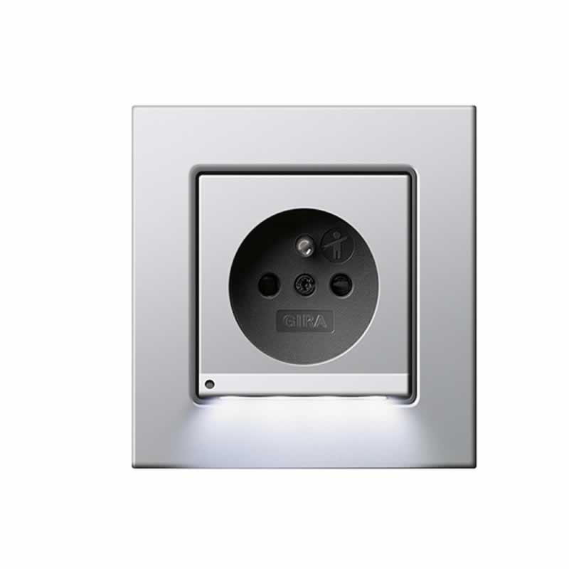 https://images.elektroshop.nl/images/detailed/66/led_verlichting_stopcontact_gira_e2_aluminium_fqa3-li.jpg?t=1484820370